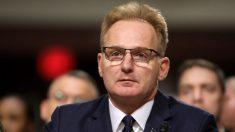 Secretario de Marina renuncia por sus comentarios del portaaviones y el Pentágono nombra sustituto