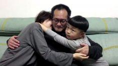 """""""Parece un sueño"""": Conmovedor reencuentro de abogado chino de DD.HH. liberado con su familia"""
