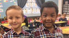 """""""Él estaba seguro que eran idénticos"""": Niño de 5 años hace llorar a mamá con la foto de su """"gemelo"""""""