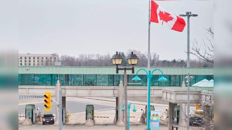 La frontera entre EE.UU. y Canadá permanecerá cerrada 30 días más, dice Justin Trudeau