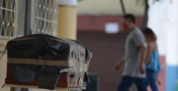 Alcaldesa de Guayaquil pide al Gobierno que Municipio pueda levantar cadáveres