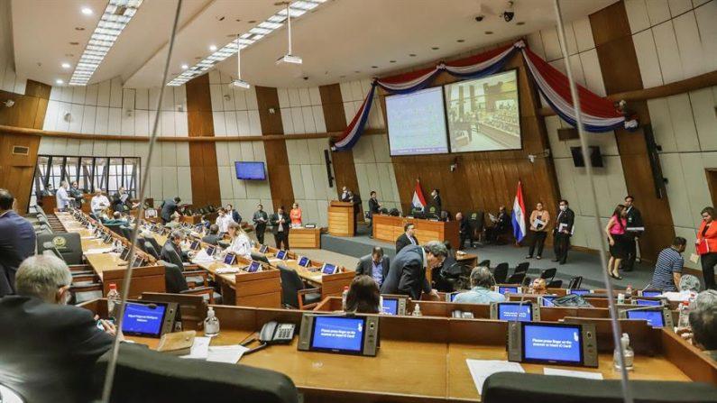Senadora paraguaya con el virus el PCCh se disculpa por ir al Congreso contagiada