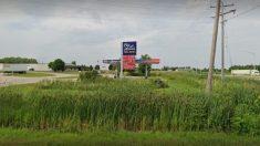 Precio de la gasolina cae por debajo de los 90 centavos por galón en gasolinera de Wisconsin