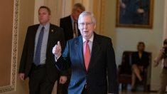 McConnell presenta el plan republicano de alivio al virus del PCCh, en el pleno del Senado