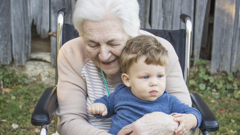 Traer a sus padres a casa puede brindarle más conexión con sus seres queridos, pero puede ser más de lo que algunos hijos adultos están preparados. (Piqsels/CCO)