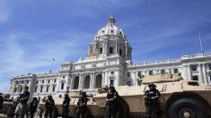 """Asesor de seguridad nacional de EE.UU.: Hay """"manzanas podridas"""" en la policía"""