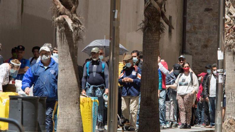 Aspecto del comedor social Reina de la Paz en el barrio del Raval el 13 de mayo de 2020 en Barcelona (España), sexagésimo día del estado de alarma decretado por el gobierno debido a la crisis del virus del PCCh. EFE/ Marta Pérez
