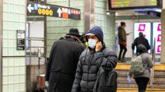 Nueva York dejará que los negocios nieguen la entrada a personas que no lleven máscaras