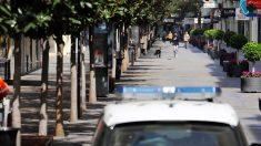 Policía española investiga una fiesta con un turista extranjero con COVID-19