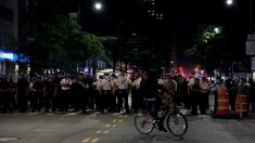 Camión embiste una multitudinaria manifestación en Minneapolis sin causar aparentemente víctimas