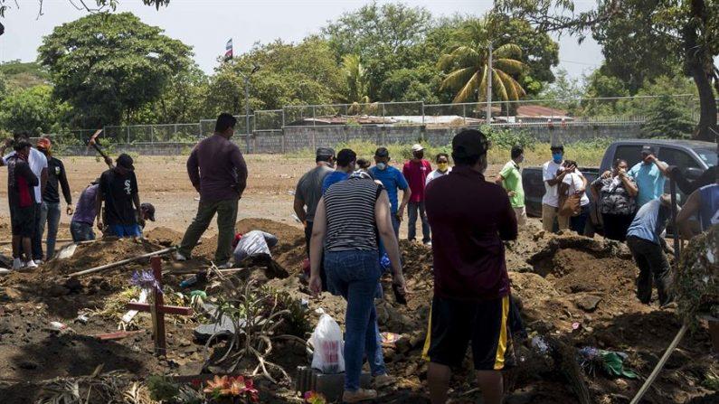 """""""Entierros express"""", la caravana de la muerte que asusta a los nicaragüenses"""