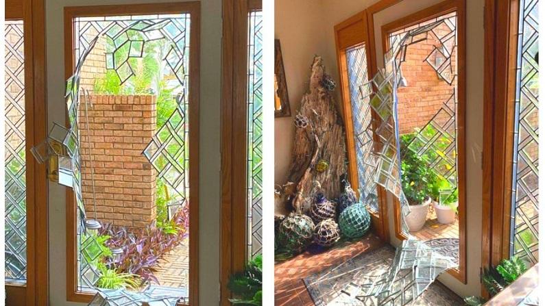 La puerta principal del residente después de que un intruso rompiera el cristal y forzara la entrada en una casa en Panama City, Florida, el 26 de mayo de 2020. (Oficina del Sheriff del Condado de Bay)