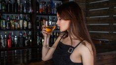 El estrés hace que los adultos beban y utilicen más drogas