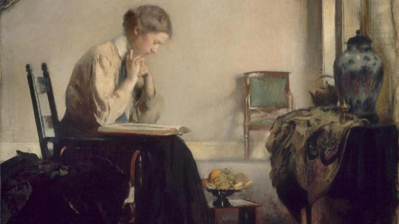 """""""Mujer leyendo"""" de Edmund C. Tarbell, 1909. (Dominio público)"""
