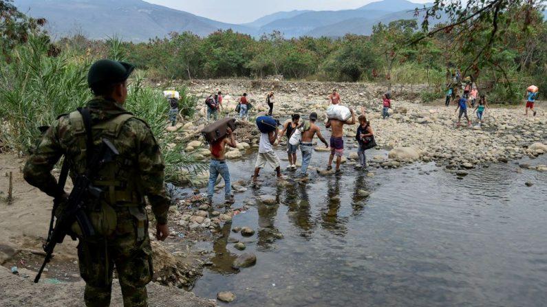 La Armada colombiana confirma que tres lanchas perdidas están en Venezuela