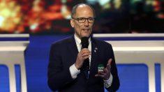 Presidente del Comité Nacional Demócrata desestima investigar demanda por agresión sexual contra Biden