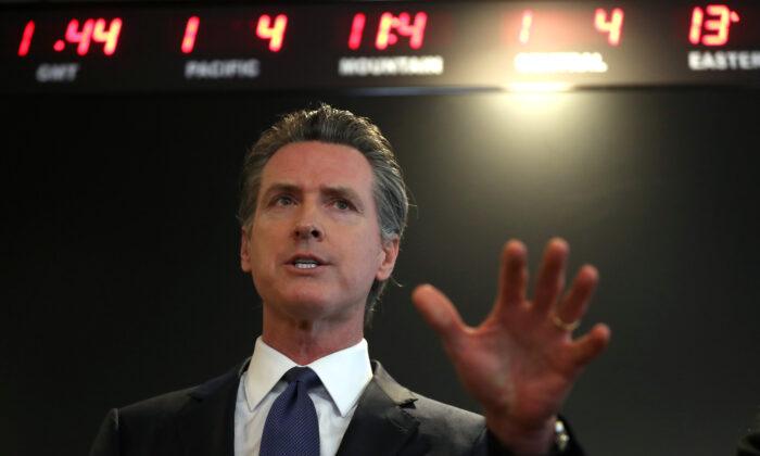 El gobernador de California Gavin Newsom en Sacramento, el 27 de febrero de 2020. (Justin Sullivan/Getty Images)