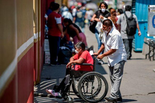 México recibe 2000 respiradores desde EE.UU. para el combate a la pandemia