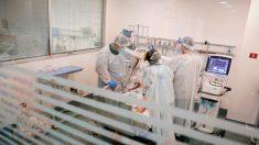 Matrimonio de médicos internados en la UCI luchan contra el virus del PCCh