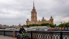 Rusia aprueba el primer medicamento para tratar al COVID-19
