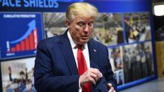 Aparece una foto de Trump usando una mascarilla en la planta de Ford