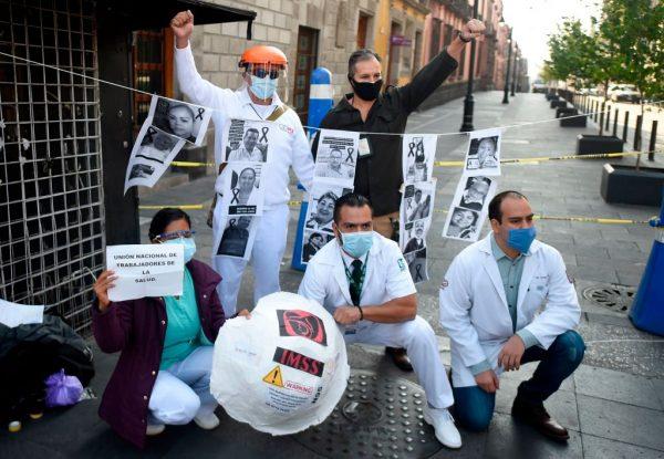 Personal sanitario mexicano reclama cifras reales y protección ante COVID-19