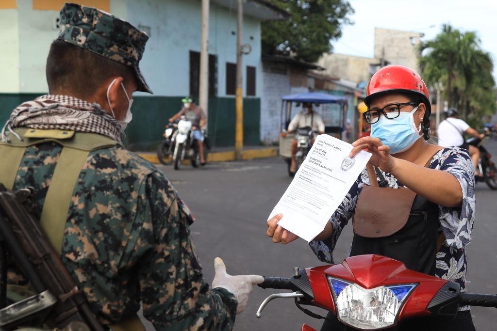 Peru Extiende Cuarentena Hasta 24 De Mayo Pero Relaja El Toque De Queda Virus Del Pcch Cuarentena La Gran Epoca