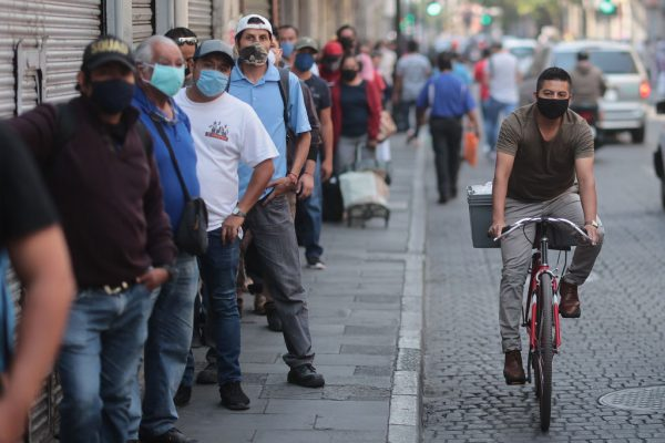 México reporta nuevo récord diario de contagios por COVID-19 con 5222 casos