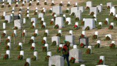 Parlamentarios de EE.UU. honran a los soldados y a sus familias en el Día de la Recordación