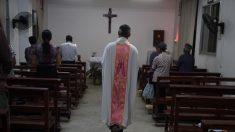 Sacerdotes católicos son torturados para que se unan a la Iglesia Patriótica China
