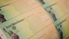 """IRS no puede llegar a personas de """"ingresos extremadamente bajos"""" con cheques de estímulo: estudio"""