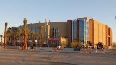 Detienen a sospechoso después de que dispararan a 3 personas en un centro comercial de Arizona