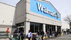 Estadounidenses usan sus cheques de ayuda de USD 1200 en artículos no esenciales en Walmart y Target