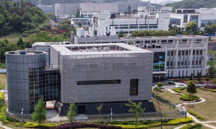 Una vista aérea muestra el laboratorio P4 del Instituto de Virología de Wuhan, en la provincia de Hubei, China, el 17 de abril de 2020. (Hector Retamal/AFP/Getty Images)