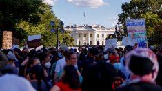 Washington declara el toque de queda y se producen los primeros incidentes