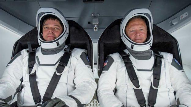 Astronautas de la NASA regresan a la Tierra a bordo de cápsula de Space X