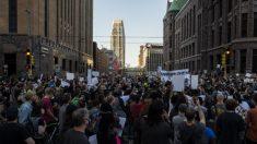 Gobernador de Minnesota se disculpa por arresto a reportero de CNN que cubría las protestas