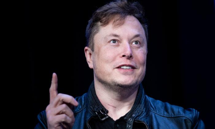 Elon Musk, fundador de SpaceX, habla durante el Satélite 2020 en el Centro de Convenciones de Washington, el 9 de marzo de 2020. (Brendan Smialowski/AFP vía Getty Images)