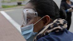 Gobernador de Massachusetts ordena a los residentes que usen mascarillas en público