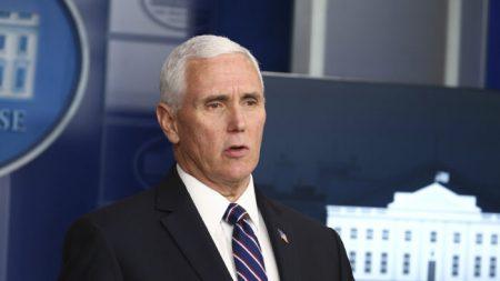 Pence dice que la Casa Blanca no tolerará que censuren a los conservadores en redes sociales