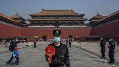 China arremete contra periodistas al resurgir brote del virus del PCCh en Beijing