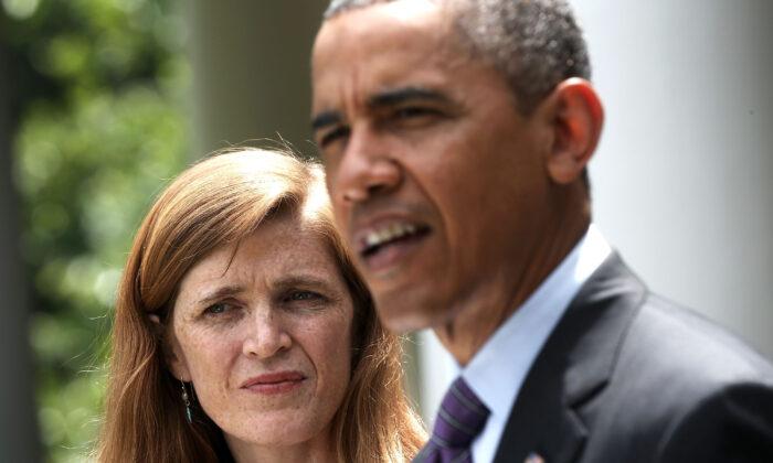 Samantha Power (L), exayudante de la Casa Blanca, durante una conferencia de prensa con el presidente Barack Obama en Washington el 5 de junio de 2013. Power se convirtió en la embajadora de EE.UU. ante las Naciones Unidas, sustituyendo a Susan Rice. (Alex Wong/Getty Images)