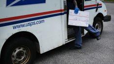 Empresario que donó a Trump fue puesto a cargo del Servicio Postal de EE.UU.
