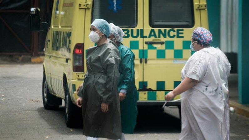 Enfermeras trabajan el pasado 13 de junio del 2020 en el área de emergencias del Hospital Escuela Manolo Morales Peralta, en Managua (Nicaragua). EFE/Carlos Herrera