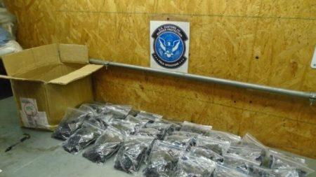 Incautación de 10,800 piezas de armas evidencia aumento en intercepciones de contrabando chino