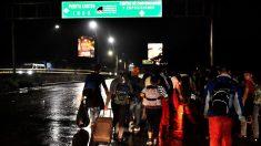 Policía de honduras disuelve caravana de migrantes que partía rumbo a Estados Unidos