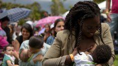 La OMS recomienda a madres lactantes con COVID que sigan amamantando a sus hijos