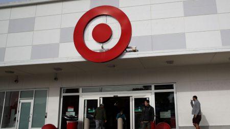 Target anuncia que aumentará el salario mínimo a 15 dólares por hora el próximo mes