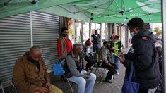 Hospitalizan a dos ministros sudafricanos por COVID-19