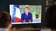 """Macron dice que Francia no quitará estatuas ni permitirá la """"falsa reescritura"""" de la historia"""